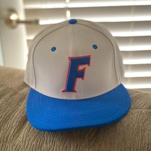 NWOT*** UNIVERSITY OF FLORIDA NIKE HAT